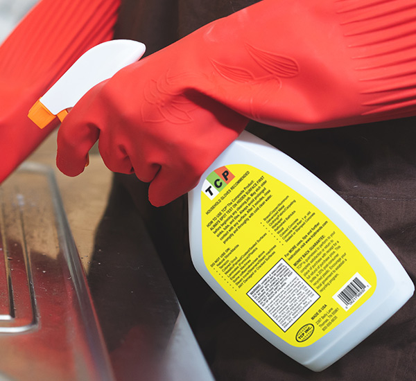 label-markets-consumer-labels-cleaning-wearing-gloves-fhsa-chemical-spray-dls