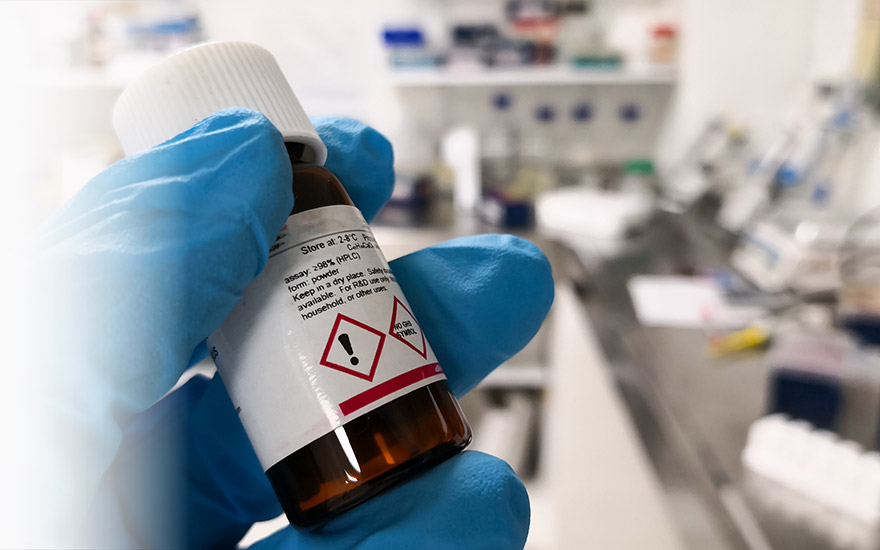 label-markets-ghs-chemical-labels-gloves-bottle-hazard-lab-dls