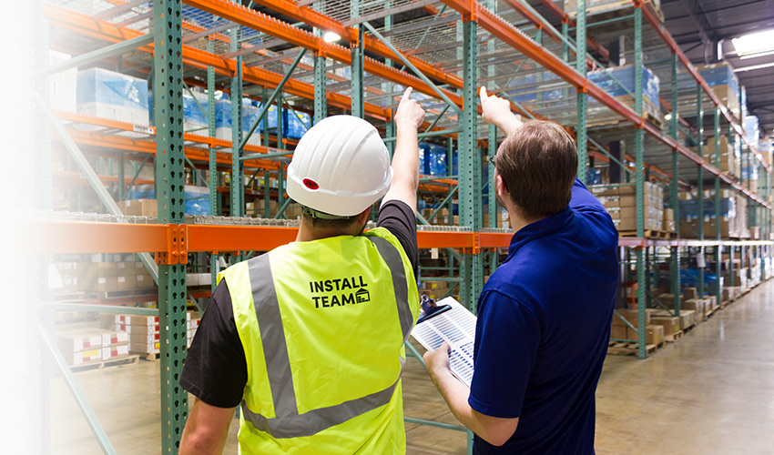 label-products-dlswarehouse-pointing-racks-installation-install-team-safety-vest-dls